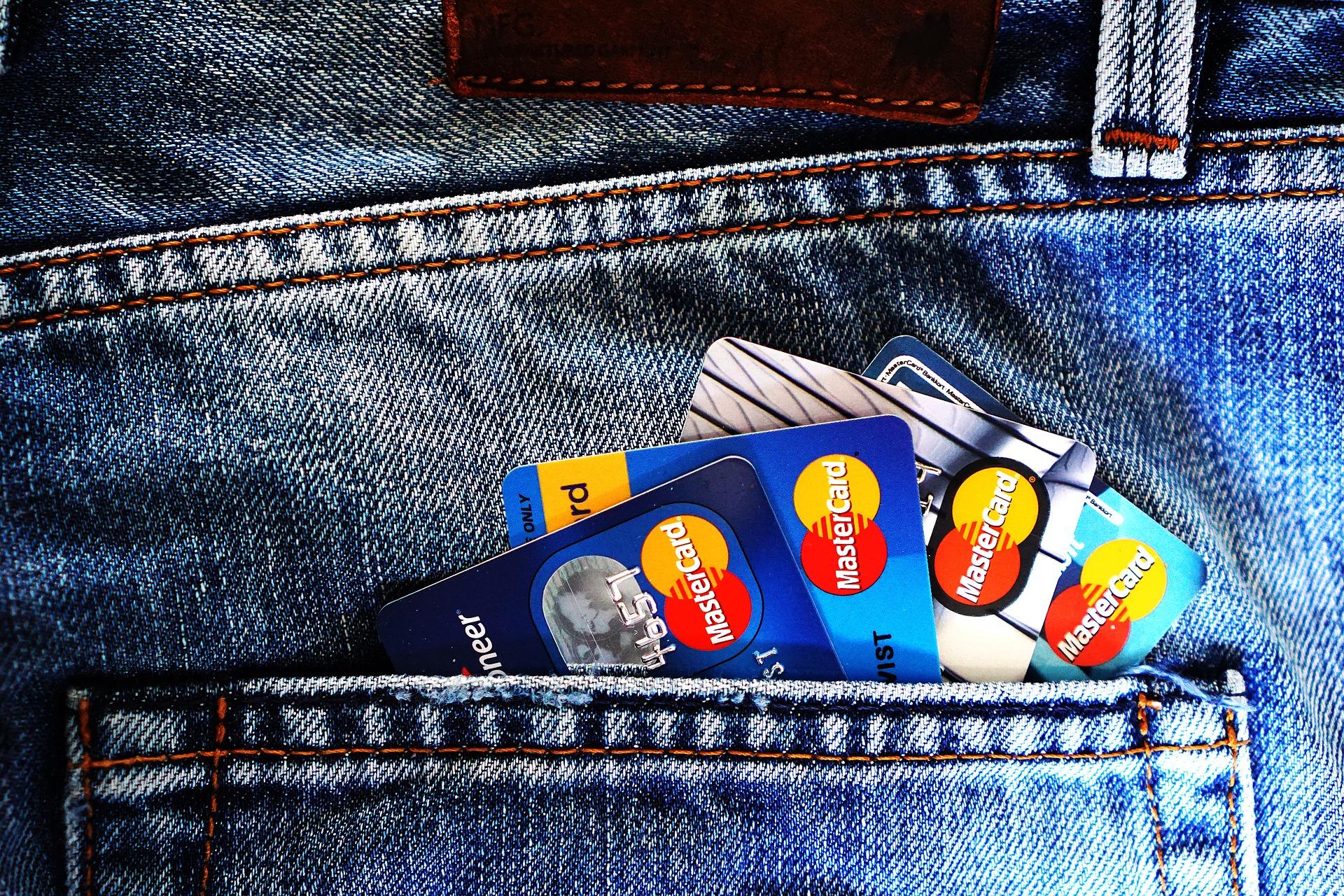 Calendrier Debit Differe La Banque Postale 2020.Debit Immediat Ou Debit Differe Lequel Choisir Pour Sa