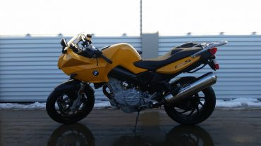 motorcycle-1209698_1280