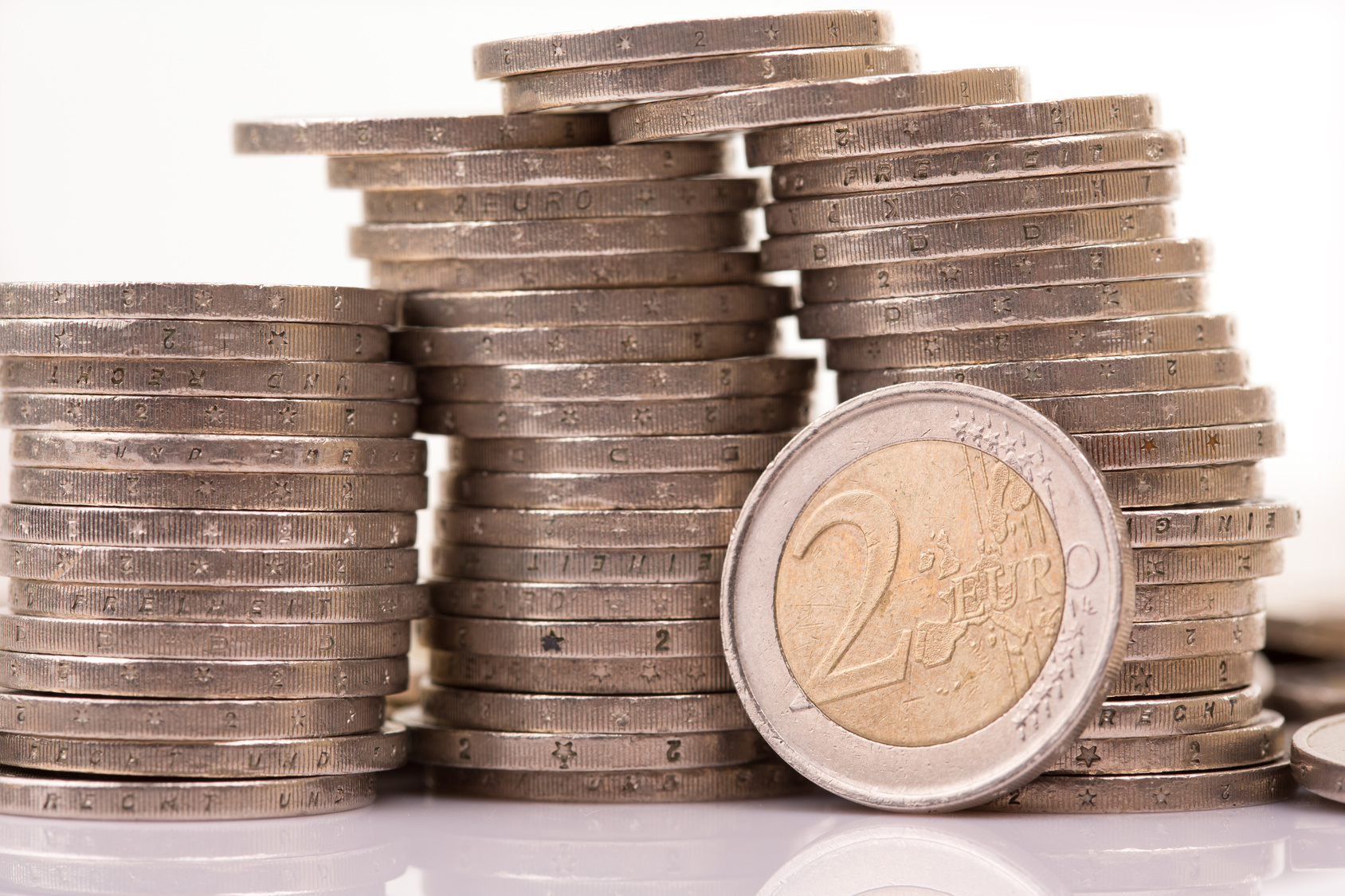 banque 2 euros par mois une offre bancaire pas ch re. Black Bedroom Furniture Sets. Home Design Ideas