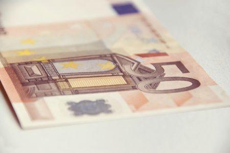 money-856042_640