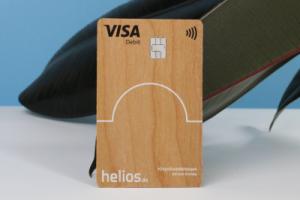 carte bancaire en bois